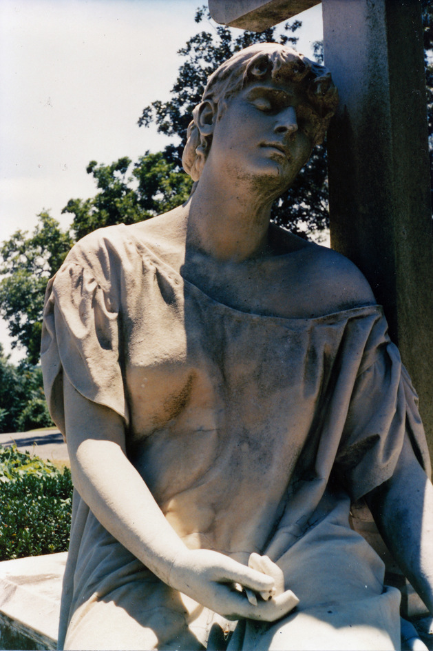 hollywood-cemetery-statue.jpg
